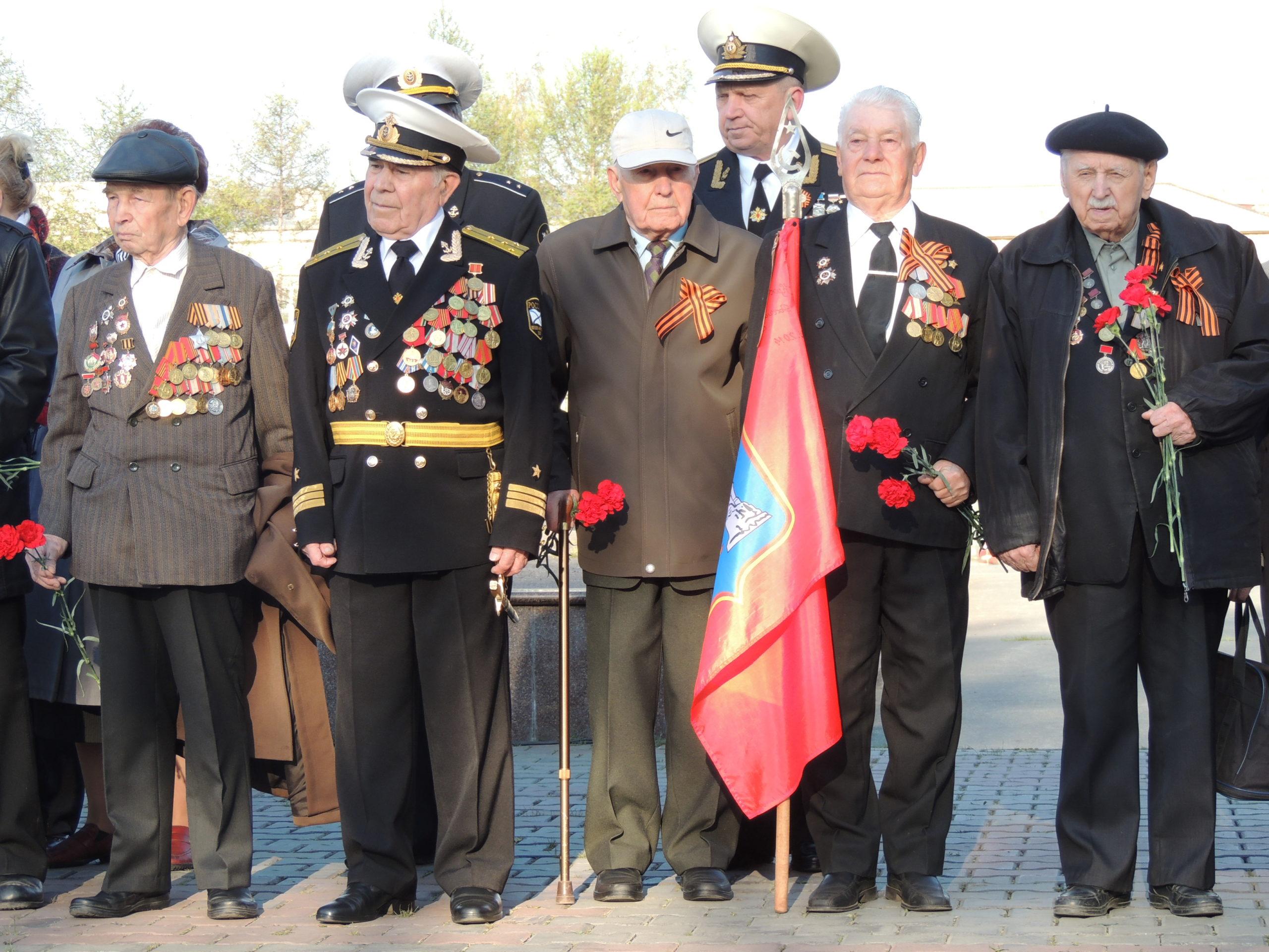 Ветераны встречают праздник.